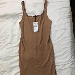 Zara Tone MIDI Dress